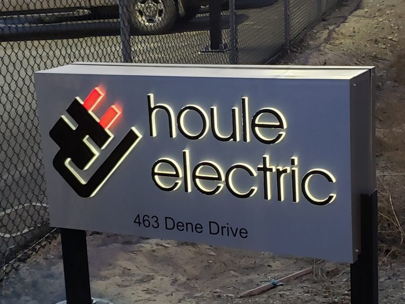 Houle Electric Pedestal